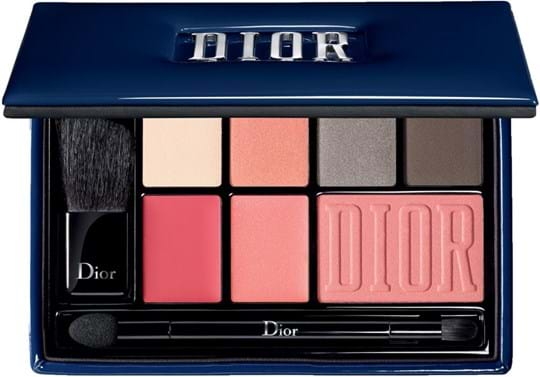 Dior Make-Up Set Be Bare Set cont.: 4x Eyeshadows 1,62 g N° 711 + N° 643 + N° 554 + N° 474 + Lipstick Rouge  N° 567 1,43 g + Lipstick  Addict Ultra Gloss N° 267 1,43 g + blush N° 756 4,5 g + Double Ended Eye and Lip Applicator 1,8 g + Blush Applicator 1,39 g