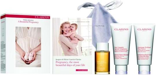 Clarins Skincare Set Pregnancy Set cont.: Tonic Body Oil 100 ml (GH 71503) + Exfoliating Body Scrub for Smooth Skin 200 ml (GH 799322) + Stretch Mark Control 200 ml (GH 867913) + 2019 New Beginnings Guide