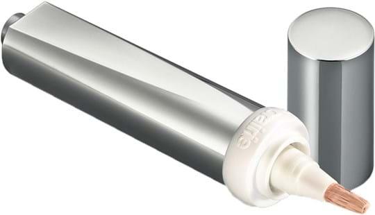 La Prairie Light Fantastic Cellular-concealer og lysnende øjenbehandling, nuance 20